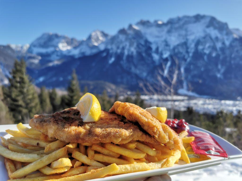 Wettersteingebirge Hütten - leichte Tour auf die Korbinianhütte zum bekannten Schnitzel