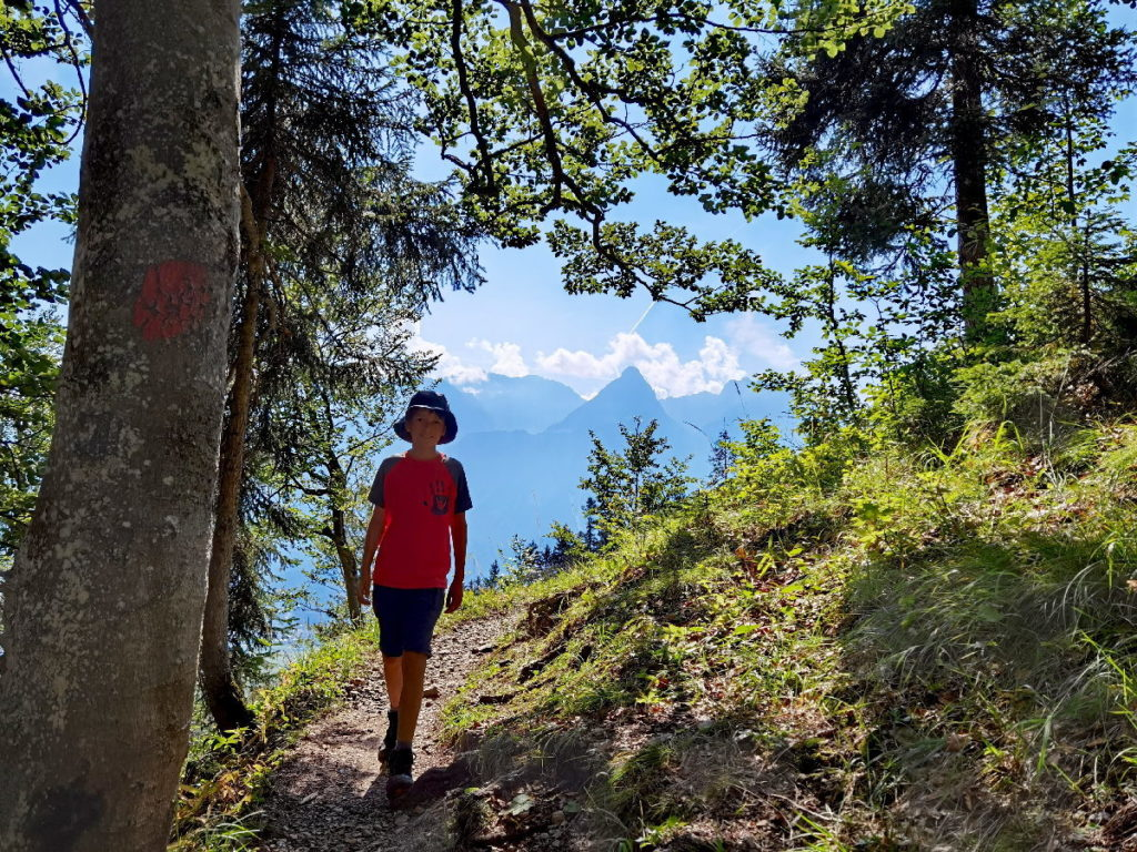Suchst du eine schöne Wettersteingebirge Wanderung? Hier findest du sie.